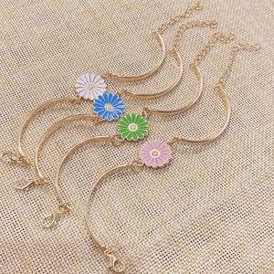 Heidiscloset Jewelry - Blue Daisy Flower Bracelet. New!! 🌸